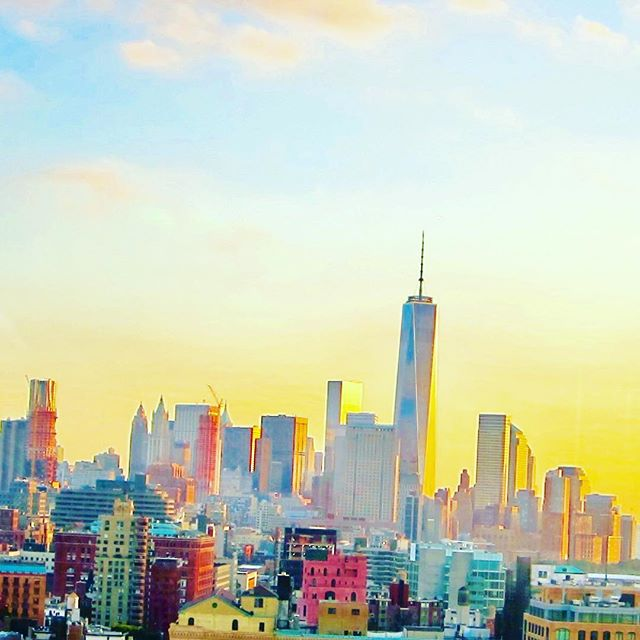 Beautiful sunsets #sun #sunset #orangesky #skyline #sky #natureshots #naturevalley #naturehub #naturealma #natureshooters #view #manhattan
