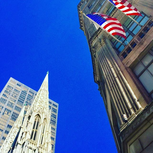 Happy St Patty's Day America #stpatricksday #stpattysday #nyclife #cathedral #church #irish #shamrock #today #blue #flag #america