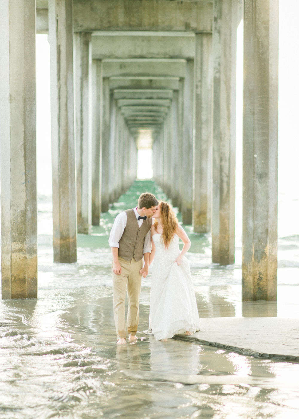 la-jolla-scripps-pier-trash-the-dress-10.jpg