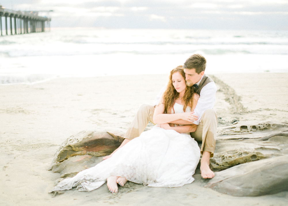 la-jolla-scripps-pier-trash-the-dress-11.jpg