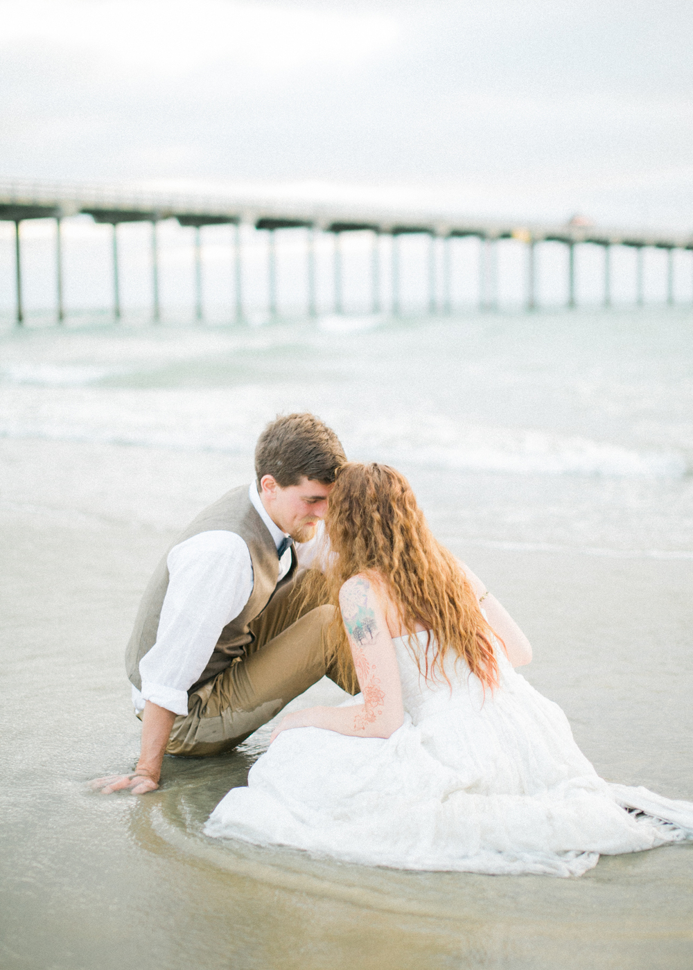 la-jolla-scripps-pier-trash-the-dress-25.jpg