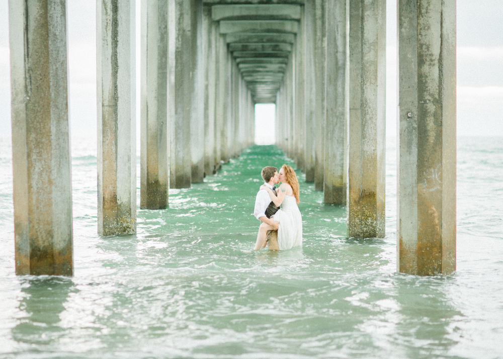 la-jolla-scripps-pier-trash-the-dress-29.jpg