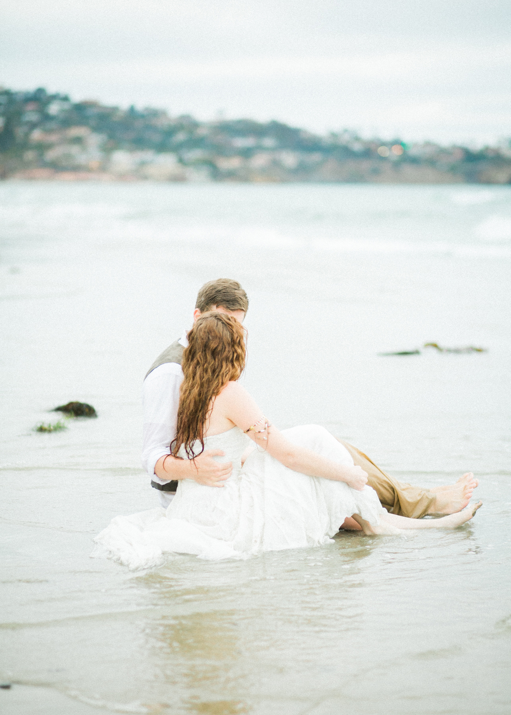 la-jolla-scripps-pier-trash-the-dress-32.jpg