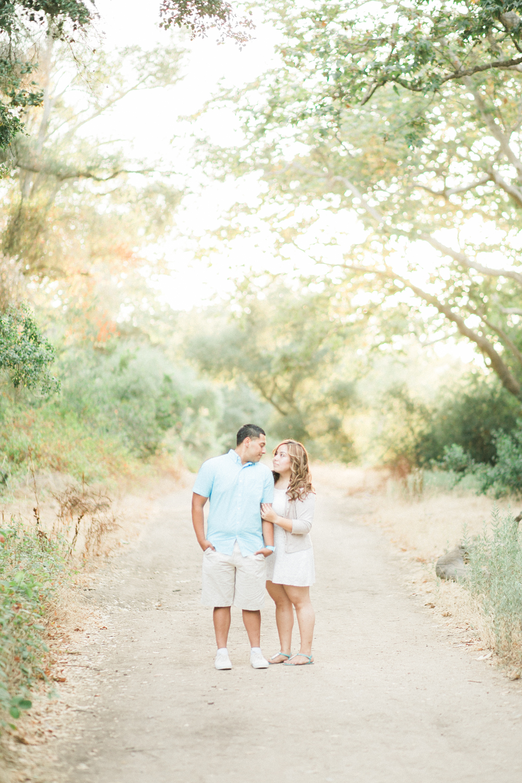 romantic-woodsy-engagement-16.jpg