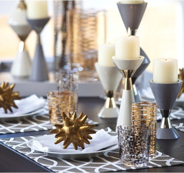 modern_christmas_table_setting_13.jpg