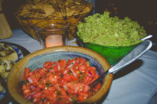 mexican food mexican snacks chips guacamole salsa appetizers