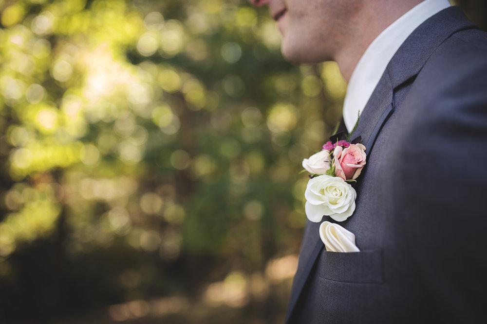 flower boutonnieres floral designer event designer event planner wisconsin