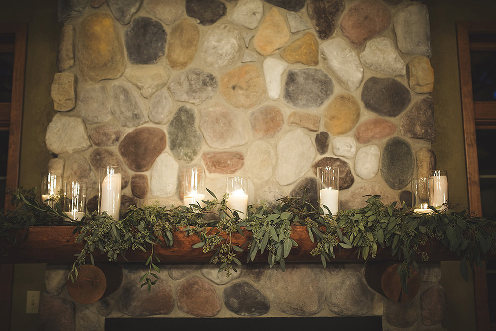 wedding fireplace mantle flowers decor greenery ideas