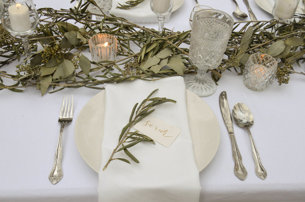 - SIMPLE LUSH GREEN + WHITE WINTER WEDDING INSPIRATION AMONGST THE WISCONSIN WOODS