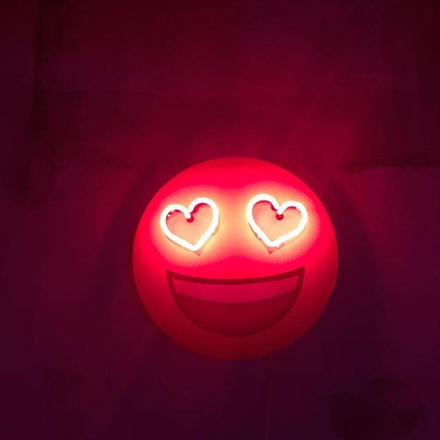 😍 #happy #love #heart #emoji #smile #lovely #lights #lightsofsoho #london #soho