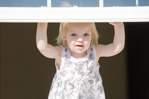 child-lifting-window-200-300