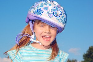 girl-bicycle-helmet-200-300