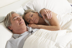 sleeping-couple-200-300