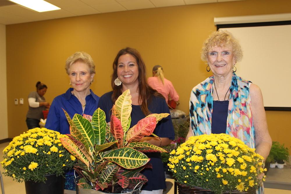 Door Prize Winners: LtoR Pat Jones, Mia Crochet, Patsy Hudson Armbruster