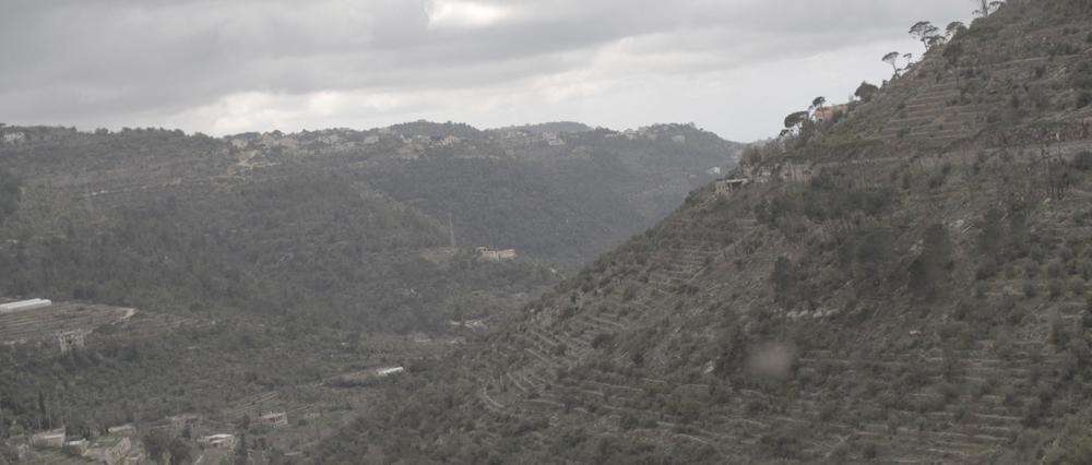 Sara al arab land rover_1.7.1.jpg