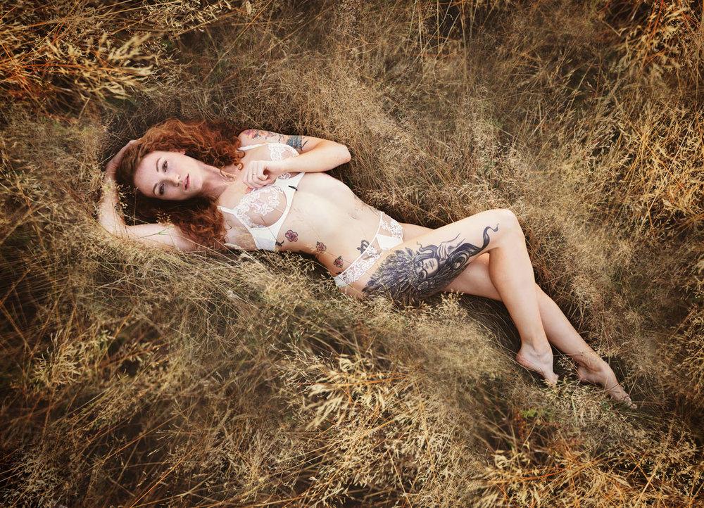 outdoor-boudoir-sarah-havens-photography-summer (21).jpg
