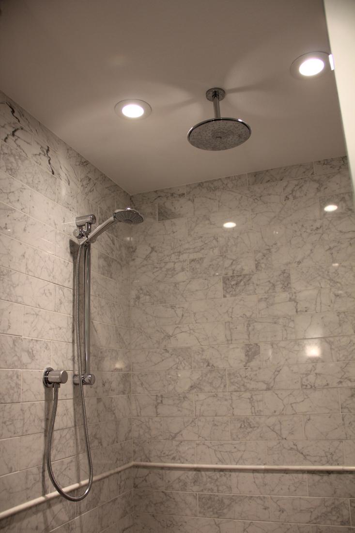 Mast Shower 3.jpg