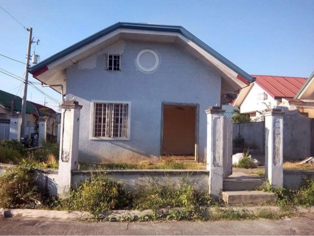 foreclosed-house-and-lot-in-governors-hills-cavite-floodfree-242sqm-3-638.jpg