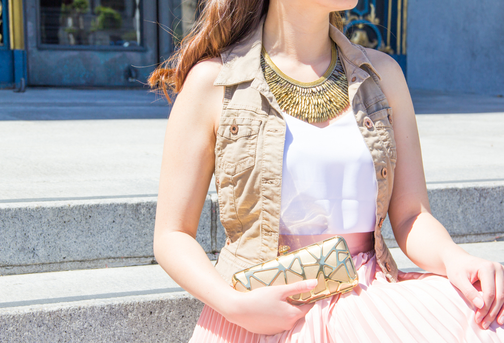 Stella & Dot Pegasus bib statement necklace | via The Chic Diary