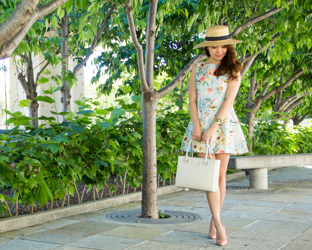 Summertime florals & boater hat | via The Chic Diary