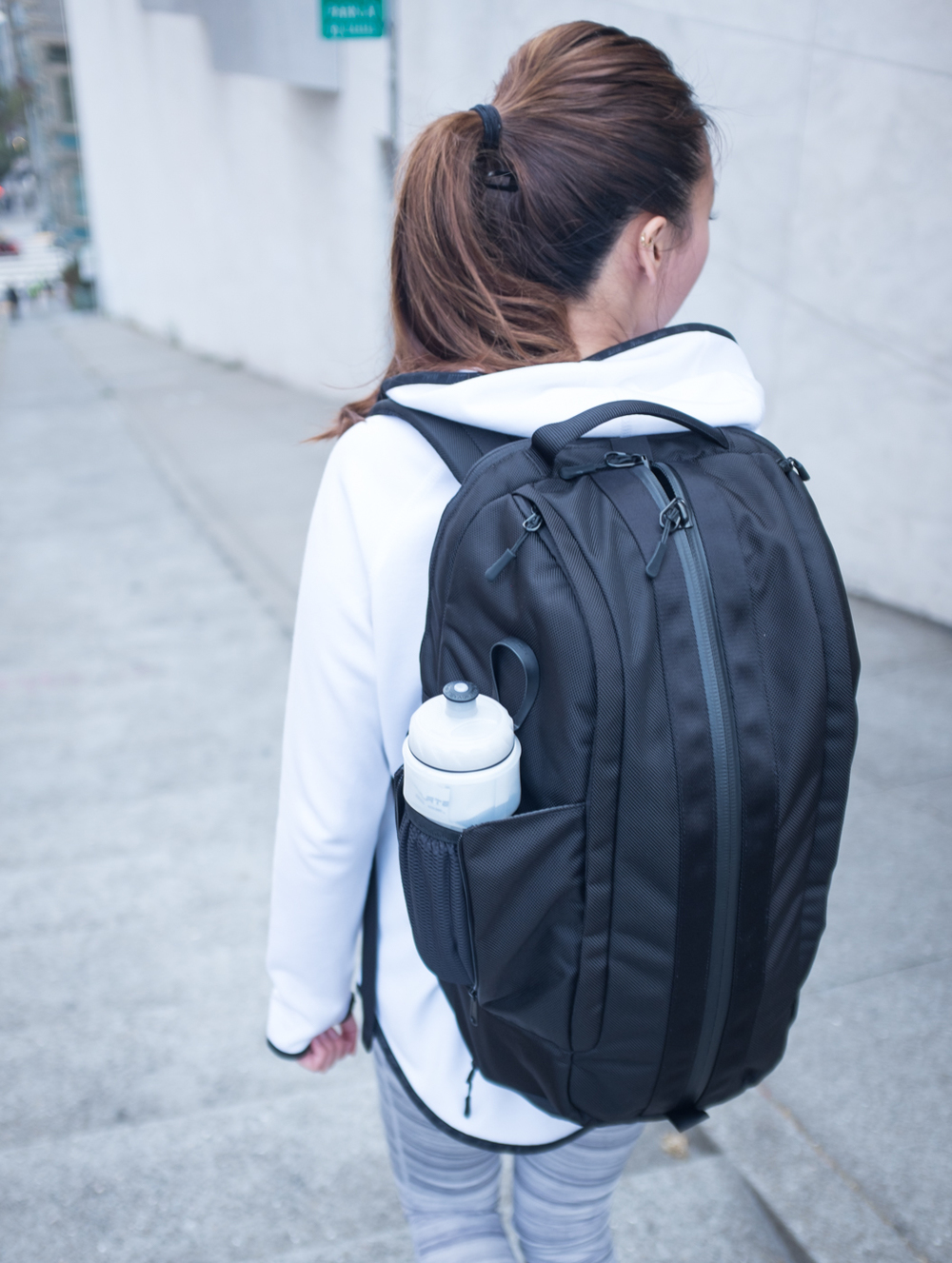 The sleek design of the Aer Duffel Pack makes it great to take around everywhere. | via The Chic Diary