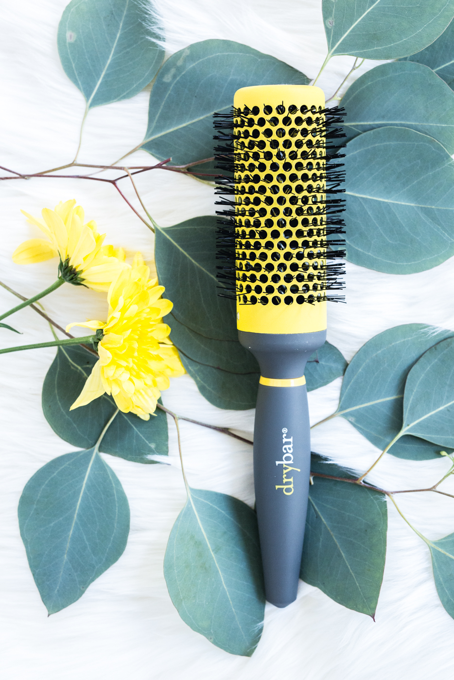Drybar 'Full Pint' Medium Round Ceramic Brush | The Chic Diary