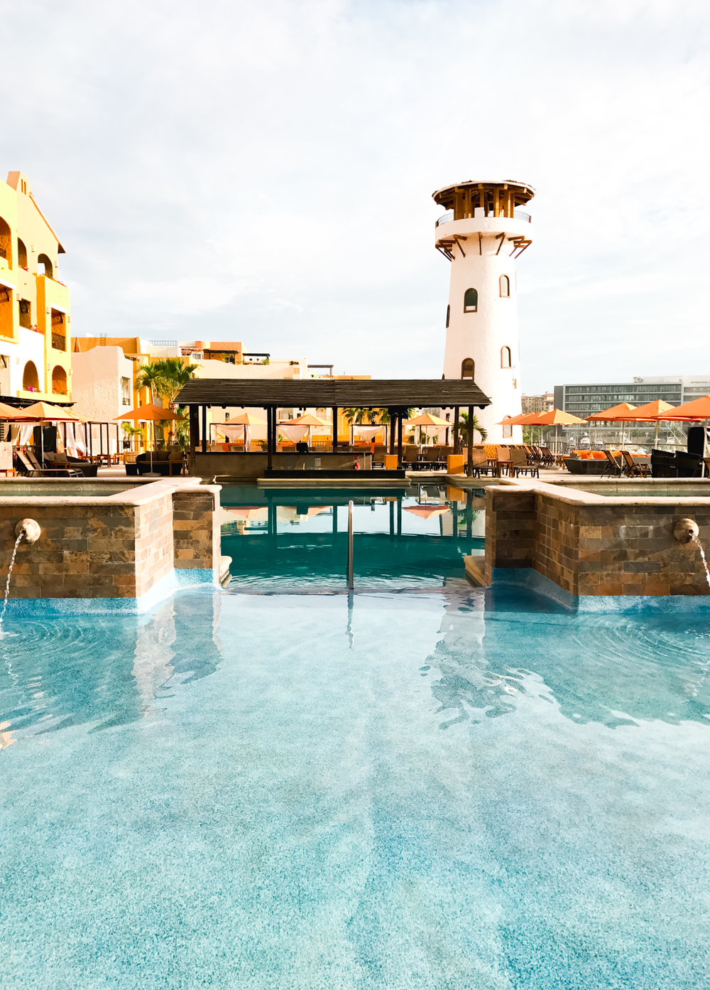 Jacuzzis and swim-up bar at Tesoro Los Cabos