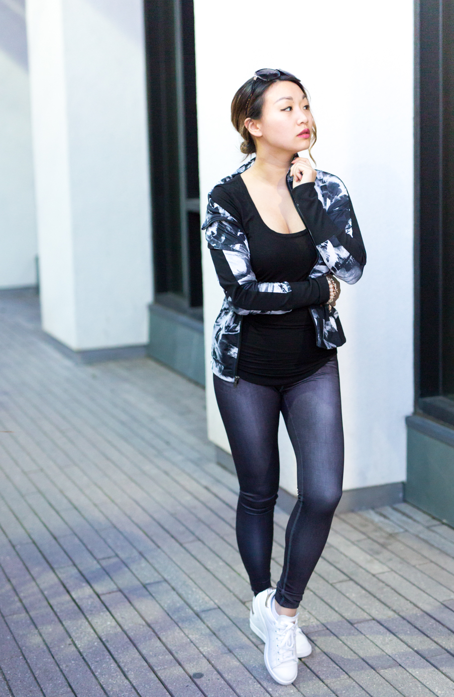 lucy indiGO Run Tights | The Chic Diary