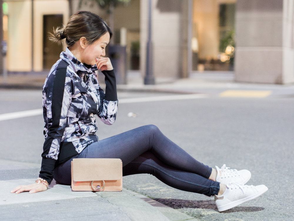 lucy indiGO Run Tights & Adidas Stan Smith Copper Metallic Sneakers | The Chic Diary