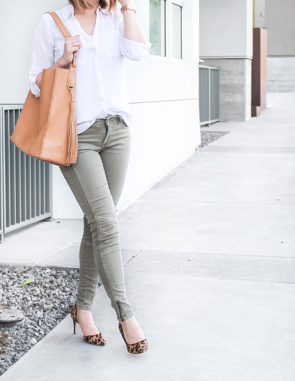 Express Portofino Shirt & All Saints Paradise North/South Leather Tote | The Chic Diary