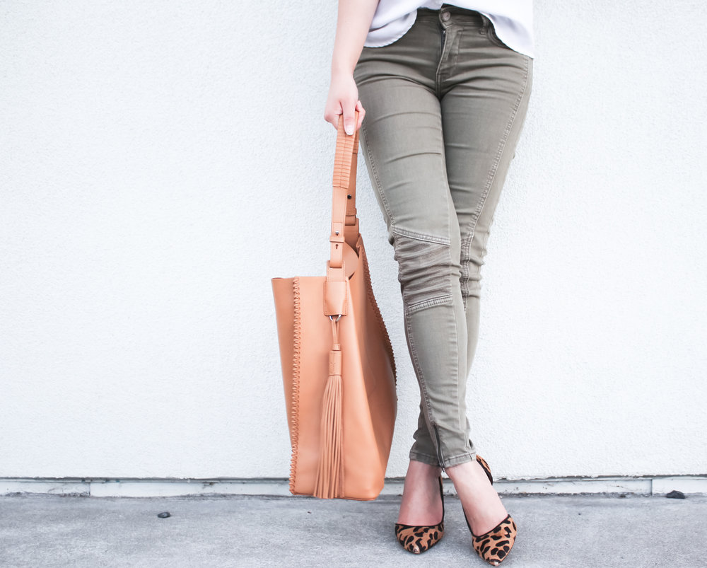 Olive moto jeans & leopard pumps | The Chic Diary