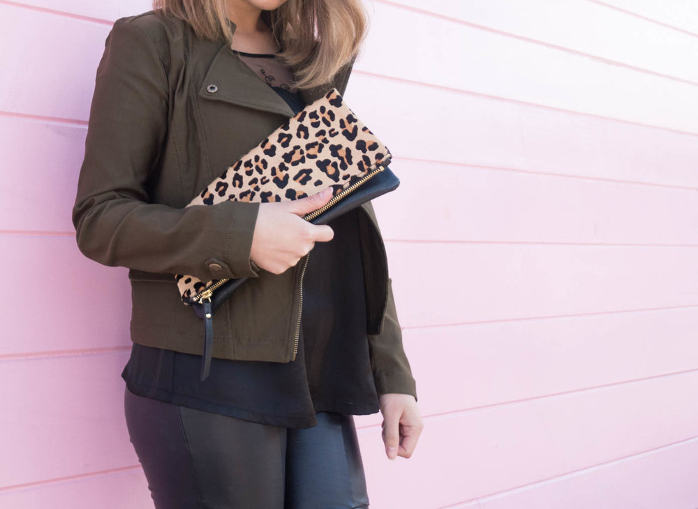 Banana Republic Leopard Clutch | The Chic Diary