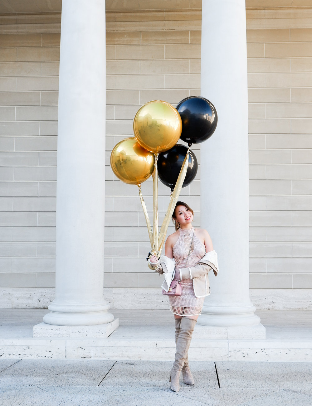 NYE baloons + Missguided sequin dress | The Chic Diary
