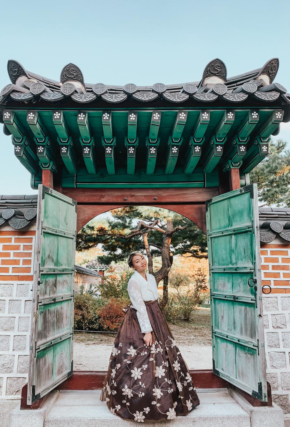 Gyeongbokgung and Hanbok | Seoul, Korea Travel Guide | The Chic Diary