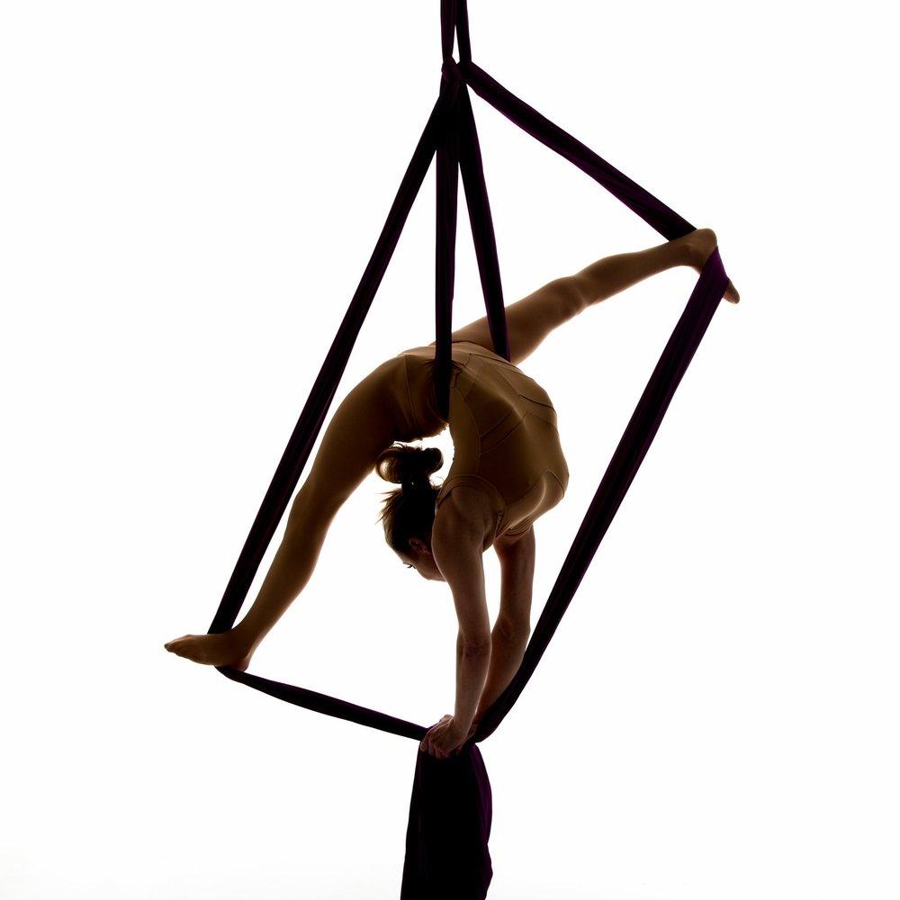Rebecca Palmer Acrobatics74.jpg