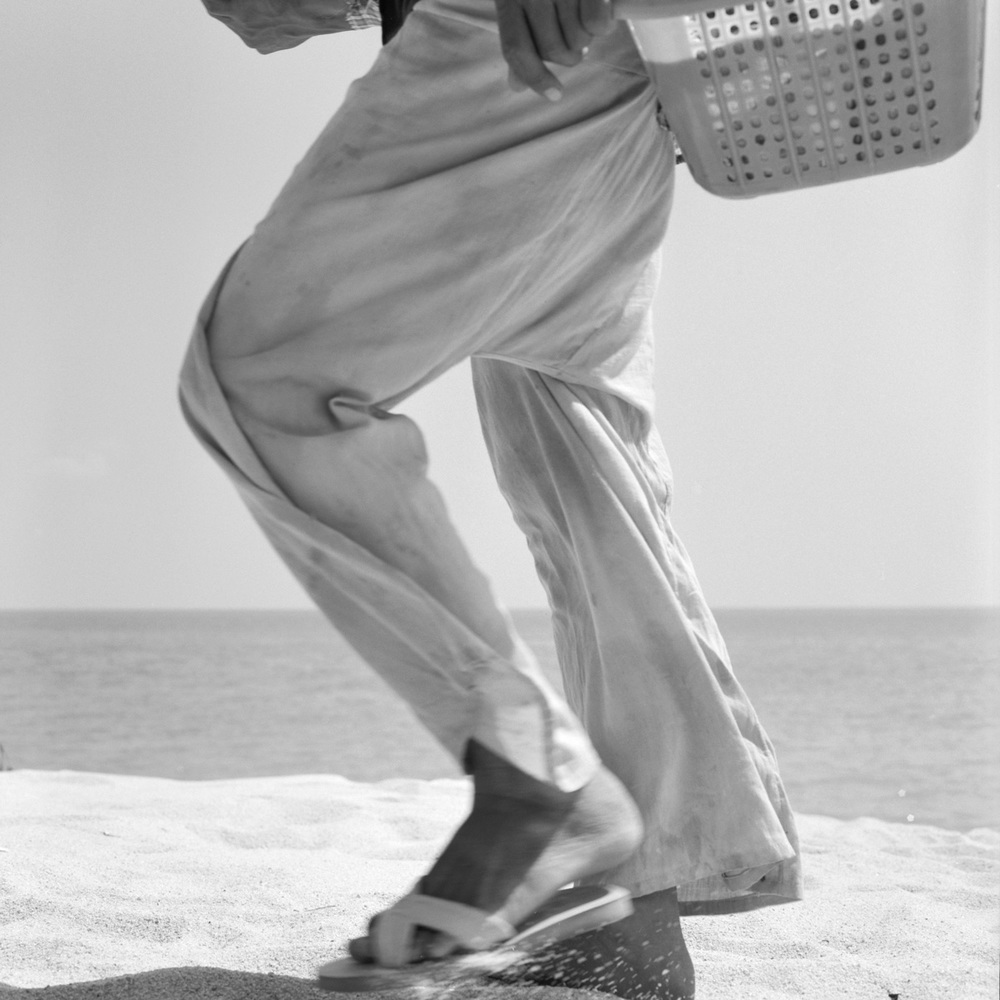 BEACH PEDDLER