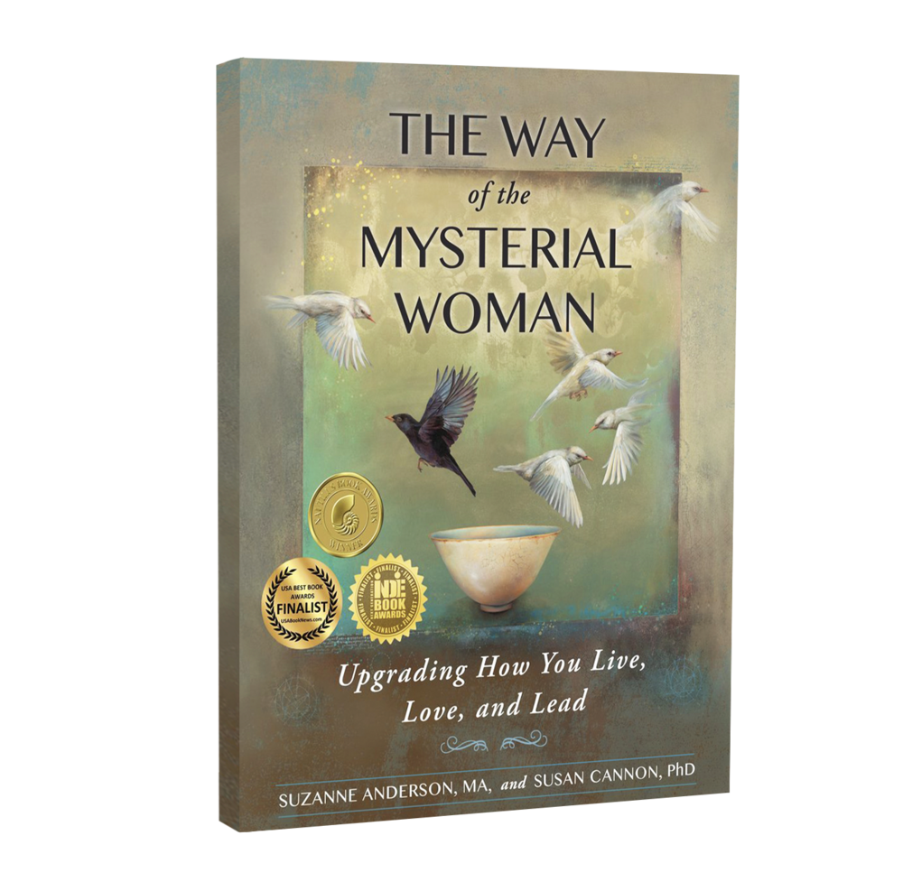 mysterial-woman-book-3D-transparent-right.png