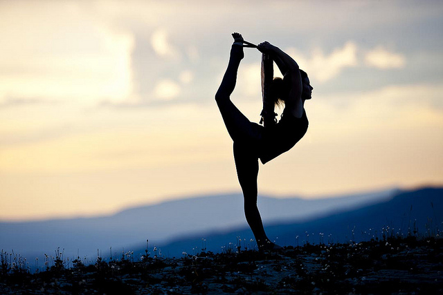 5 WAYS YOGA INSPIRES CREATIVITY