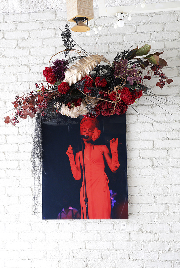 New York Before Zeros vol.1  Photo Exhibition @ Suzu Cafe 9/26-10/24/2014  Erykah Badu Photo w/ Mami Yamamoto Flower decoration