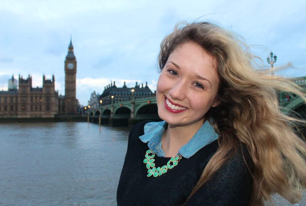 Kaci Nicole - Westminster Bridge in London