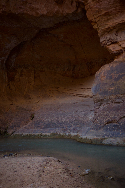 Caves at The Narrows | Kaci Nicole.jpg