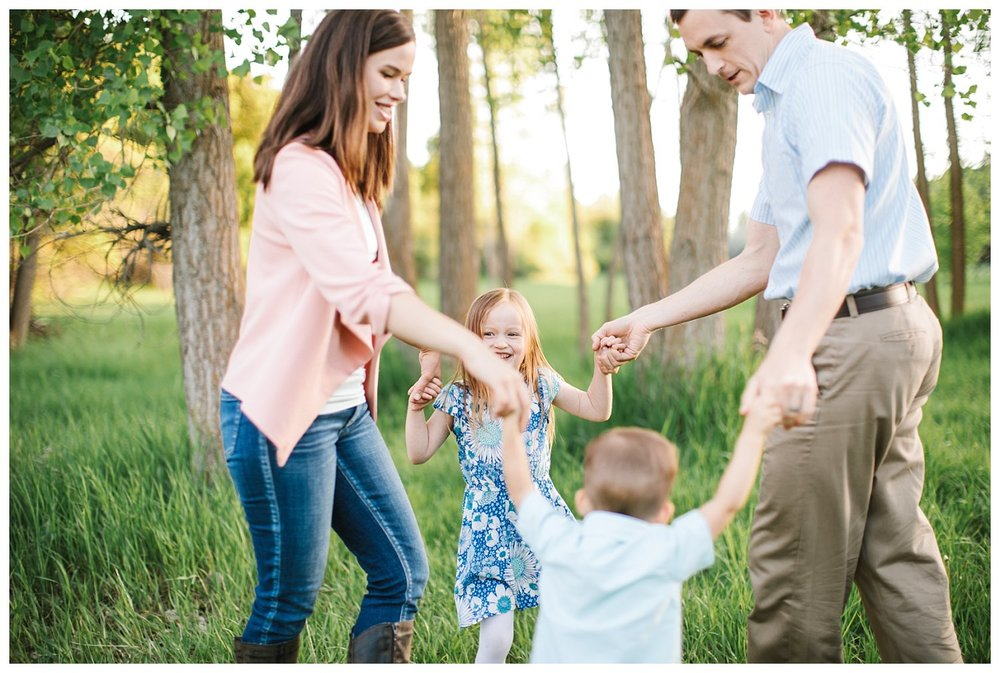 Northern Utah Family Photographer - Beautiful meadow and lake family sesison in Layton Utah