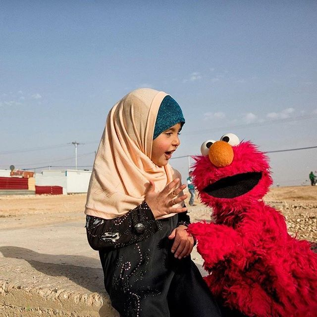 @glblctzn: Need some good news to start your week? Lego is giving Sesame Workshop $100 million to help educate refugee children around the world. Over the span of five years, the Lego Foundation will support a collaboration between Sesame Workshop, the International Rescue Committee, and the Bangladeshi relief organization BRAC. Read more at the link in our bio. (📷: Sesame Workshop) #citizenship #sesameworkshop #legofoundation #lego #elmo #refugees