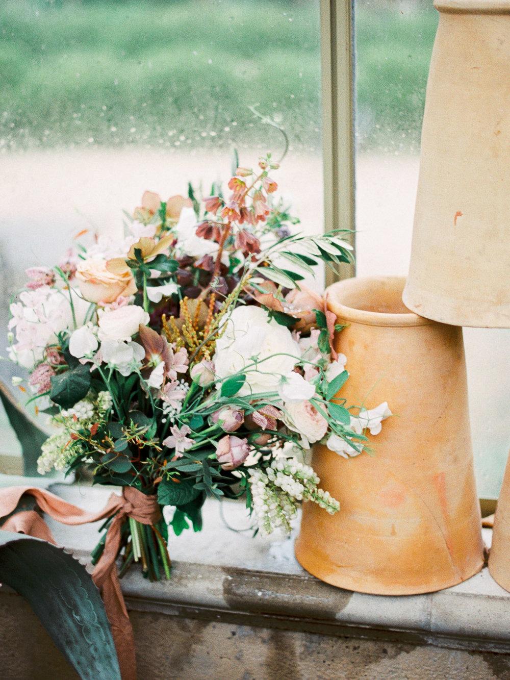 christinadavisphotography+romantic+greenhouse+jardindebuis+styledshoot08.jpg