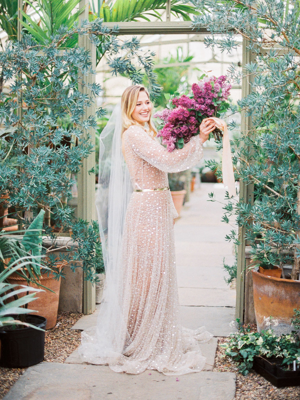 christinadavisphotography+romantic+greenhouse+jardindebuis+styledshoot17.jpg