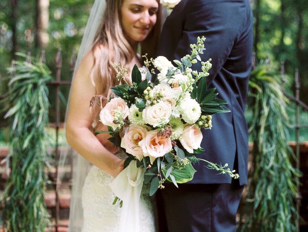 christinadavisphotography-romanticwedding-gardenweddinginspiration02.jpg