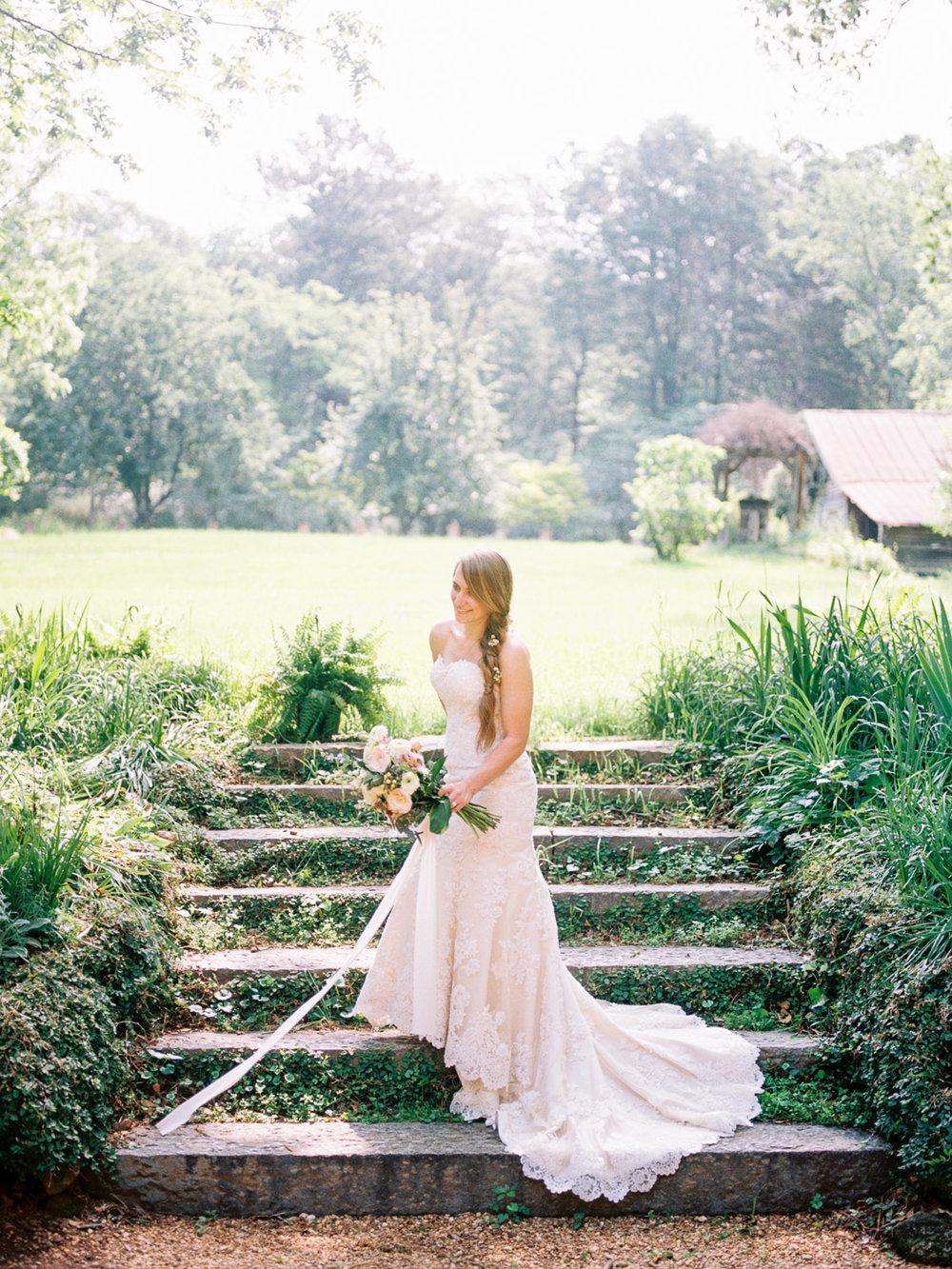 christinadavisphotography-romanticwedding-gardenweddinginspiration16.jpg