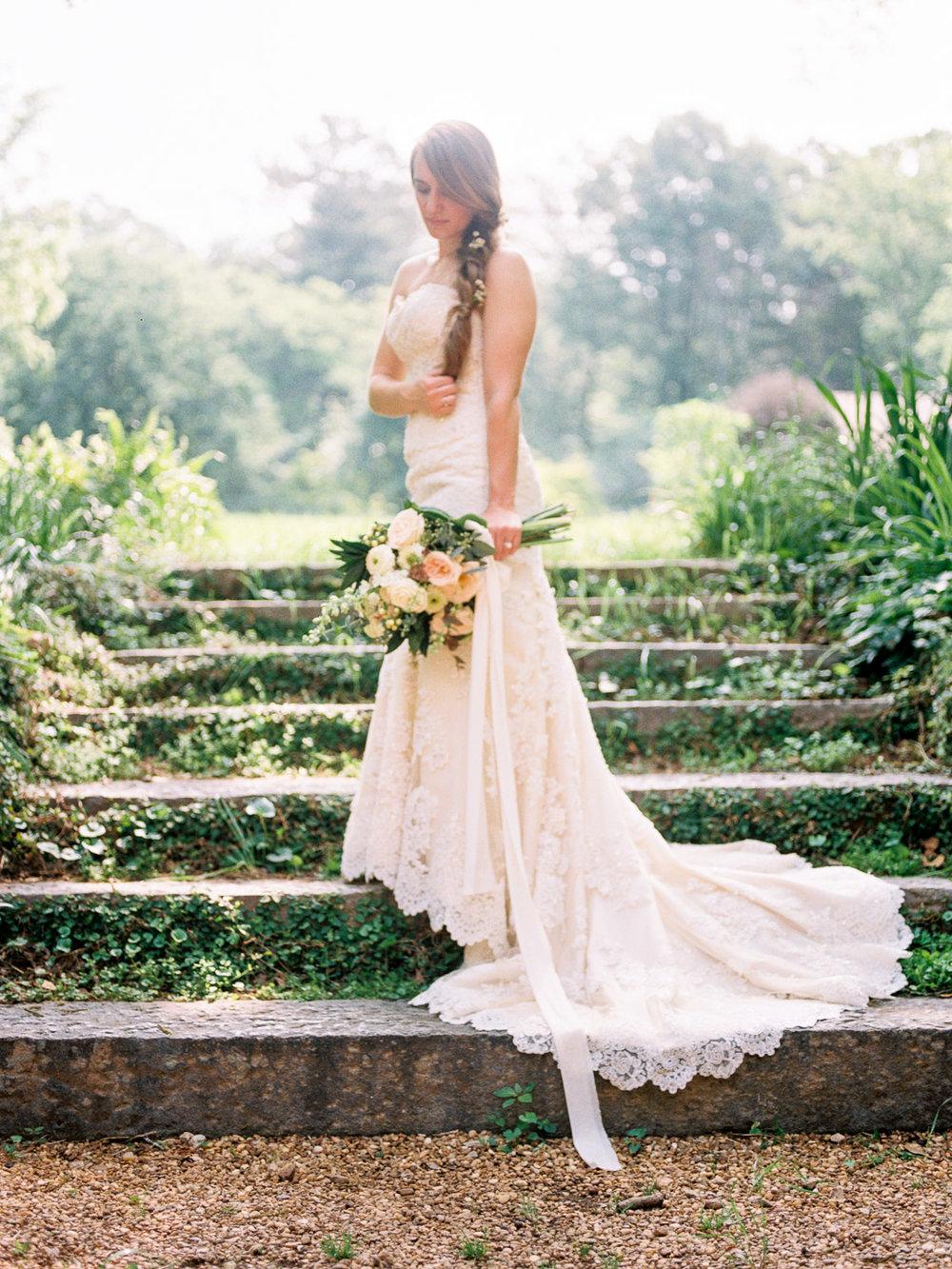 christinadavisphotography-romanticwedding-gardenweddinginspiration17.jpg