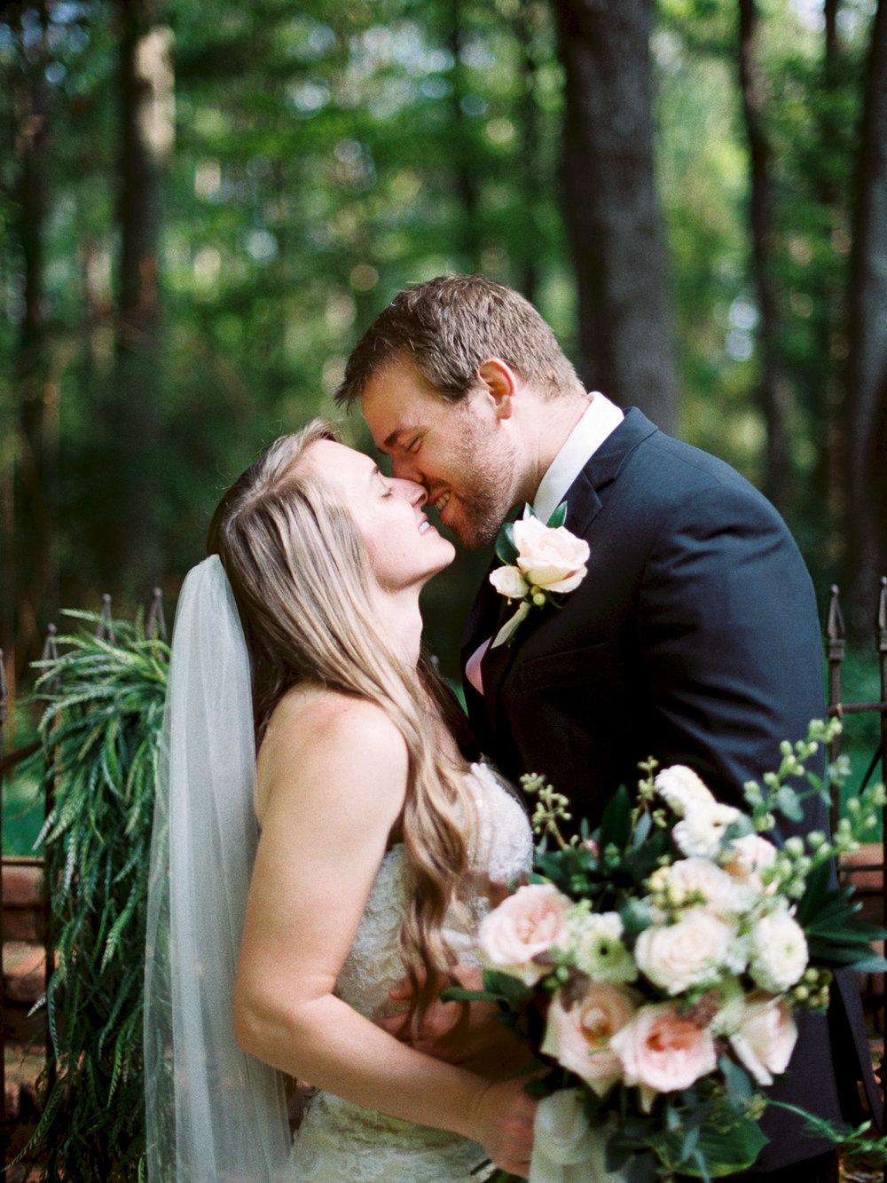 christinadavisphotography-romanticwedding-gardenweddinginspiration38.jpg