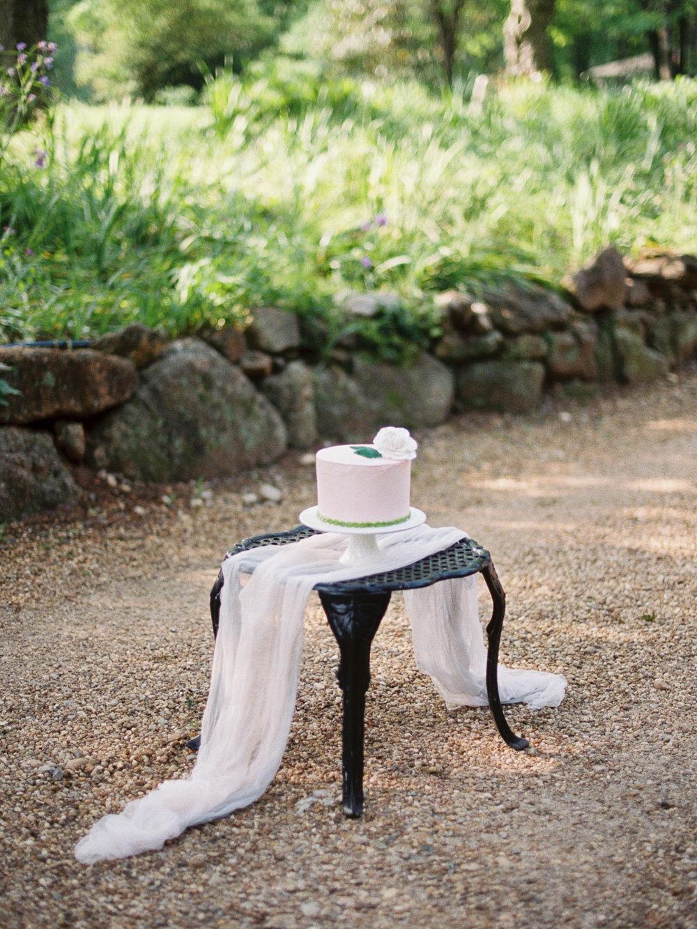 christinadavisphotography-romanticwedding-gardenweddinginspiration52.jpg